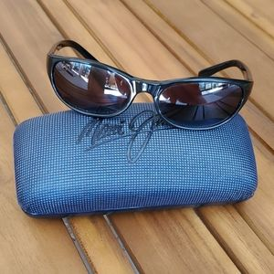 Maui Jim Black Polarized Wrap Sunglasses with Case